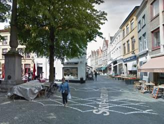 """Brugge legt centrale Sint-Amandsstraat heraan in 2021: """"Nieuw zitmeubilair en drinkfontein"""""""