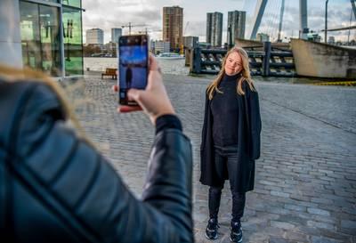 De Rotterdamse Enya is 'insta-influencer' en heeft het syndroom van Down
