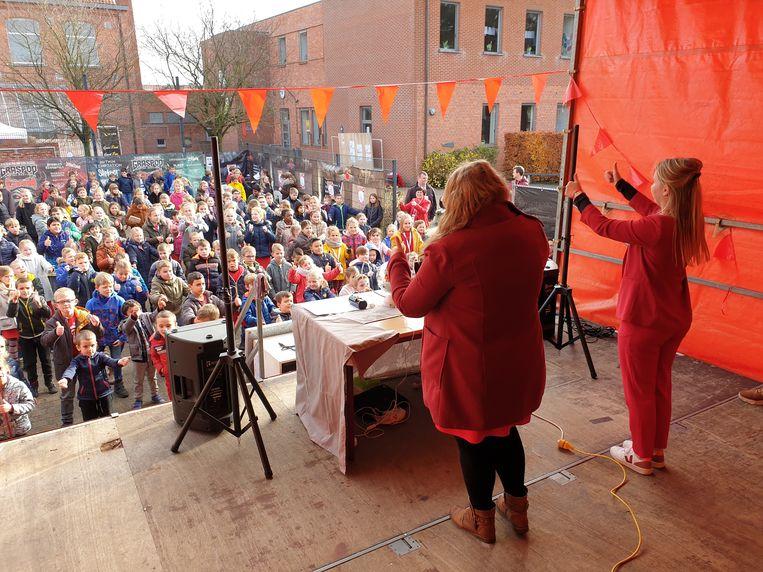 Het Rode Neuzen-festival bij basisschool Weg-Wijzer.