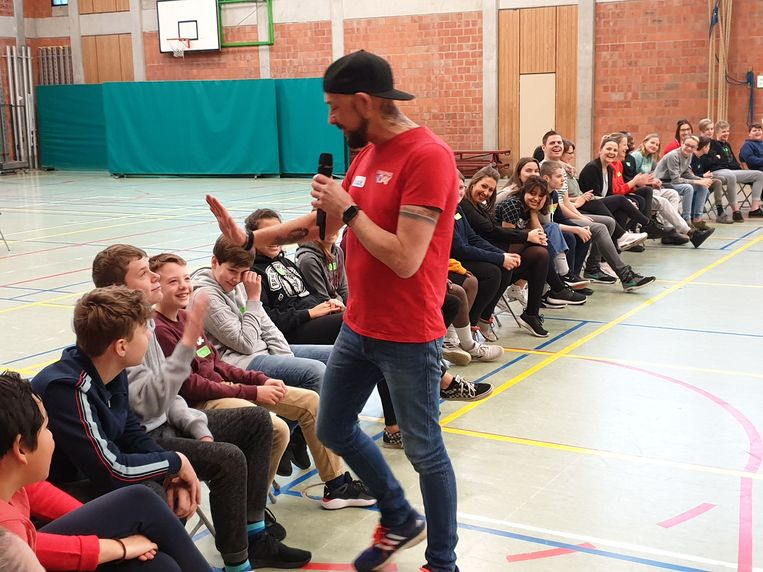 Op de Challenge Day in het kader van Rode Neuzen Dag praten de leerlingen over hun emoties en die van hun medeleerlingen om ze mentaal sterker te maken.