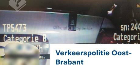 Sponsor van CJIB? Veldhovenaar (22) doet sticker op auto eer aan met twee boetes