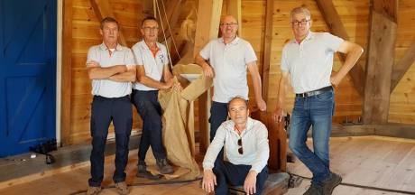 Jawel, de Vinkelse molen draaide weer, na ruim 50 jaar!