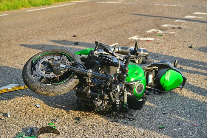 Motorrijder zwaargewond bij botsing in Vessem.