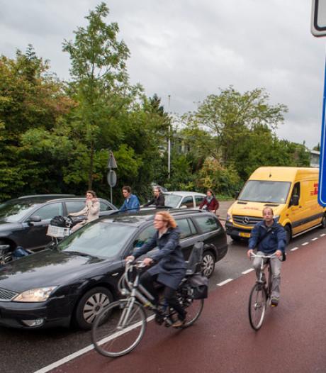 De fiets is op drukke plekken de nieuwe auto geworden qua ruimtebeslag