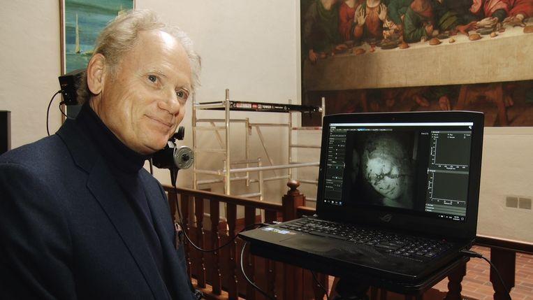 Kunsthistoricus Jean-Pierre Isbouts vermoedt dat Leonardo Da Vinci hoogstpersoonlijk het gezicht van Johannes heeft geschilderd op 'Het Laatste Avondmaal' in een Vlaamse abdij in Tongerlo. Beeld BELGA PHOTO MAARTEN WEYNANTS