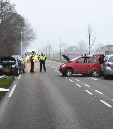 Een gewonde en veel schade bij een ongeluk in Terneuzen