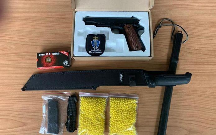 De wapens die zijn gevonden in de auto van de Noordenvelder zijn in beslag genomen.