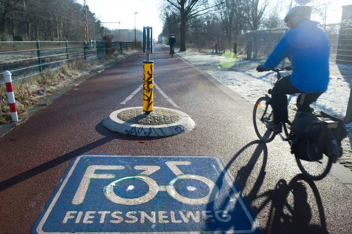 De fietssnelweg F35 bij Hengelo.