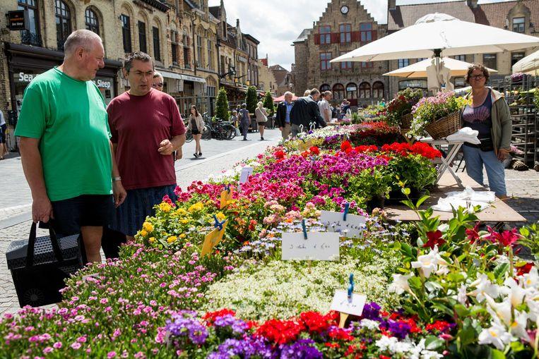 Een vorige editie van een Bloemenmarkt, hier in Veurne