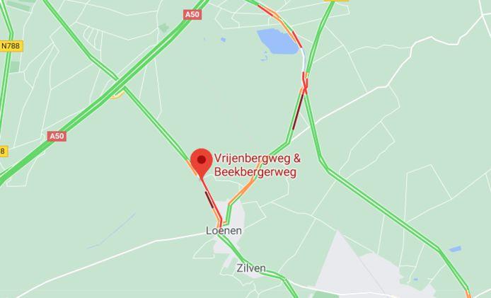 Het verkeer rond Loenen liep al snel vast na het ongeluk.