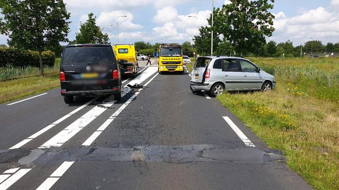 Twee voertuigen botsten tegen elkaar op de N289 bij Hoogerheide.