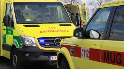 Voetganger gewond na aanrijding op parking