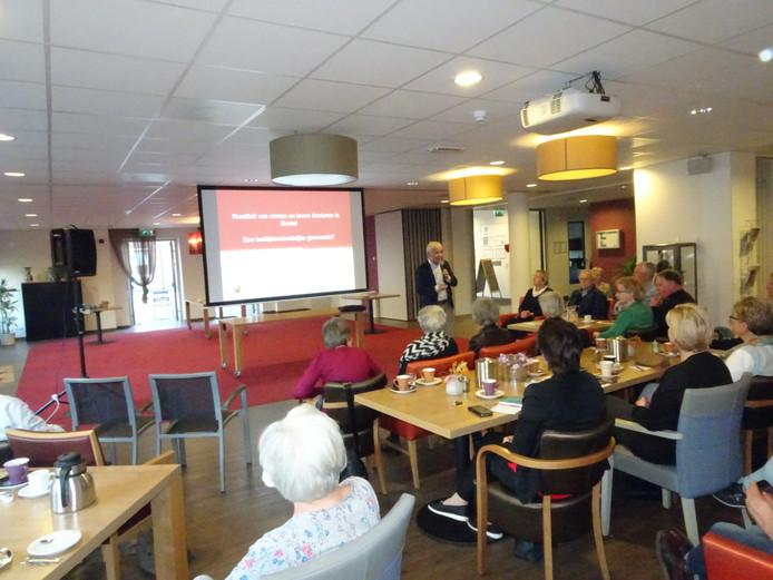 De infobijeenkomst over en voor ouderen.