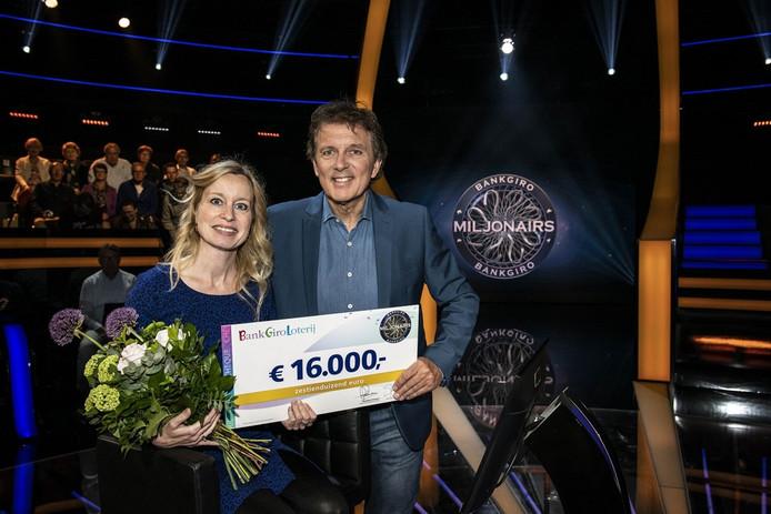 Aimée uit Maastricht won 16.000 euro in de eerste aflevering van BankGiro Miljonairs