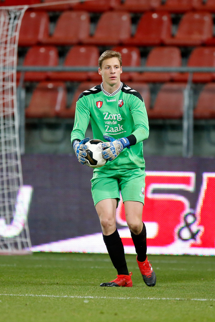 Thijmen Nijhuis hield zijn doel schoon en bezorgde Jong FC Utrecht een punt