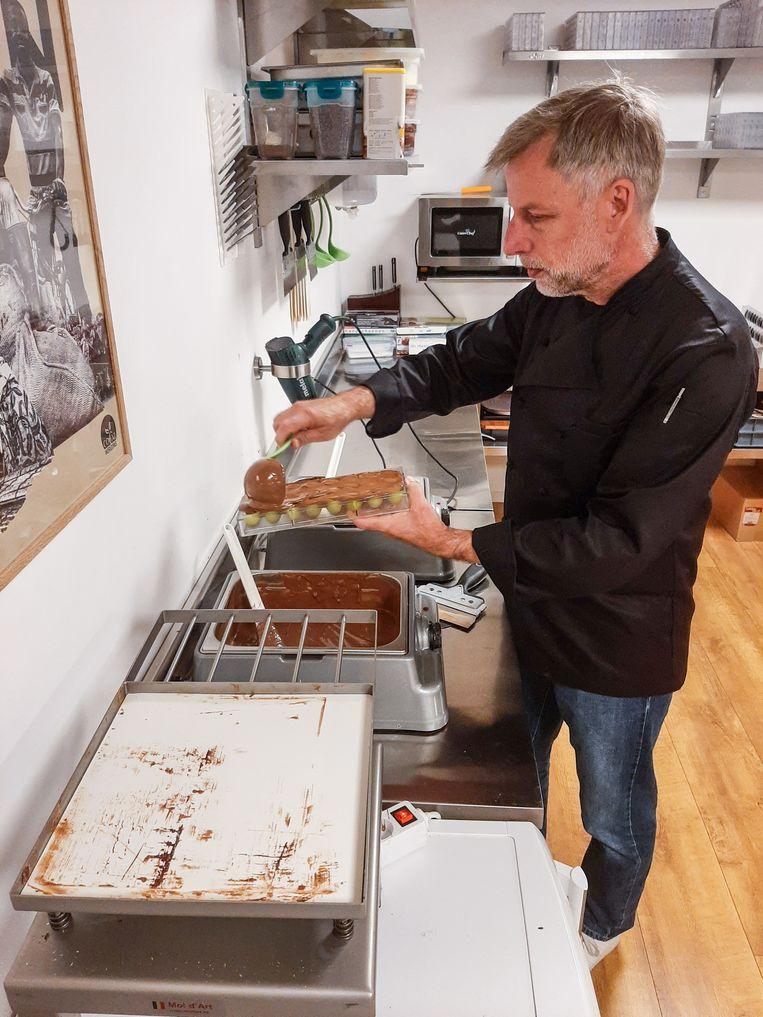 Vince de Lange als bonbon maker Beeld