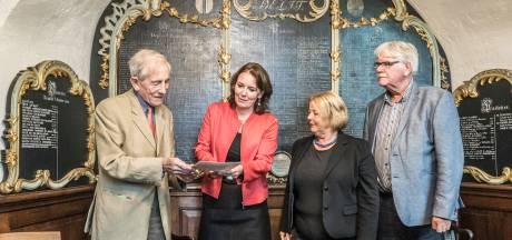 Waalse kerk schenkt schat aan Prinsenhof