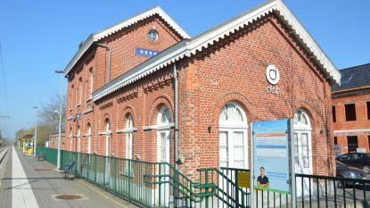 Stad wil stationsgebouw Okegem openbaar verkopen
