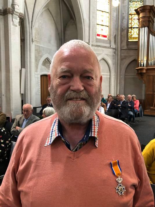 Ad van Bijnen (72) Lid in de Orde van Oranje-Nassau