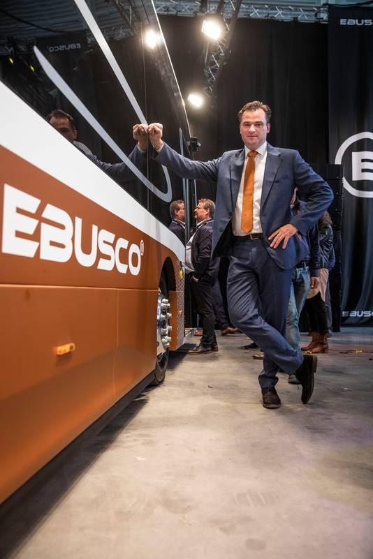 Directeur Peter Bijvelds presenteerde vorig jaar in Deurne de nieuwe lichtgewicht elektrische bus.