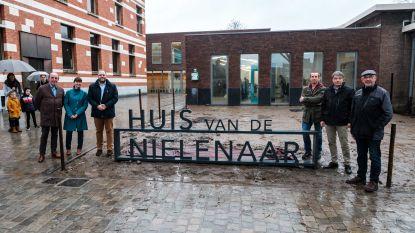 """Gemeentebestuur huldigt Huis van de Nielenaar in: """"Hét informatieloket voor onze inwoners"""""""