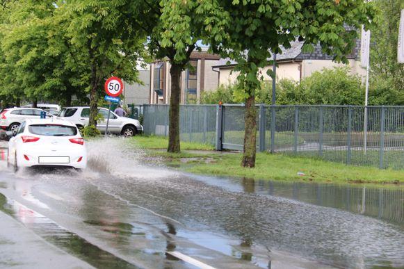 Ook op het Wijngaardveld was er korte wateroverlast.