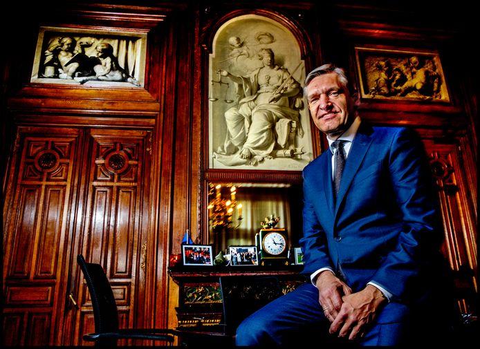 Portret van de politiek leider van het CDA, Sybrand Buma.