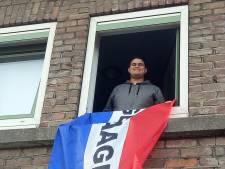 In de Pioenroosstraat in Eindhoven: De vlag mag eindelijk uit bij Derman