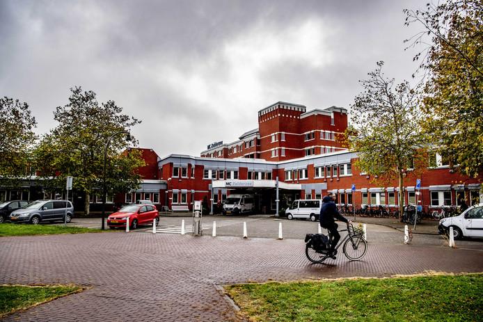 Het gebouw van voorheen de IJsselmeerziekenhuizen in Lelystad.