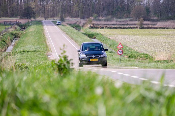 De Weg door Dijkwater tussen Dreischor en Sirjansland.