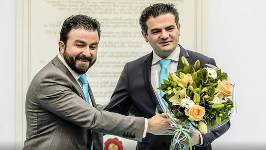 Selcuk Ozturk (L) en DENK-lijsttrekker Tunahan Kuzu.