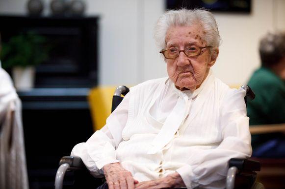 Lazarie Maes, of Zuster Genoveva, is nu de oudste inwoner van onze provincie met 109 lentes.