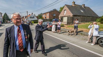 """98-jarige veteraan zamelt tijdens wandeling geld in voor Talbot House: """"Uit respect voor degenen die hun leven lieten in de oorlog"""""""