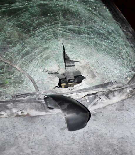 Auto vernield met zwaar vuurwerk in Breda