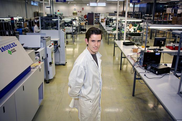 Rick Meesters, 23, werd noodgedwongen al jong directeur van Liad Electronics.