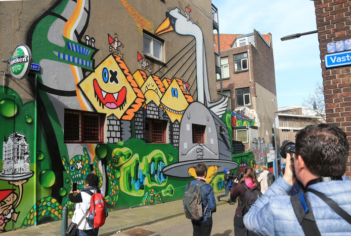 De partij van Jos Verveen vindt dat er meer plekken in de stad moeten komen waar streetart is toegestaan.
