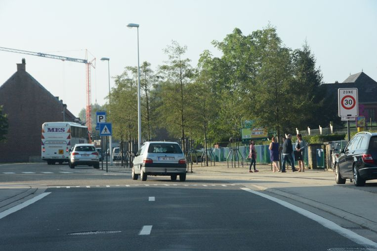 De asverschuiving is niet voldoende om het verkeer ter hoogte van de Wollewei te doen vertragen.