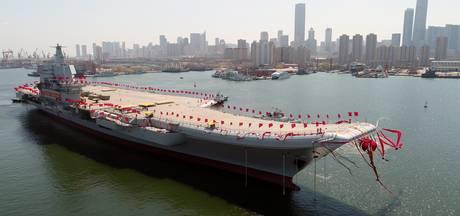 China laat eigen vliegdekschip te water