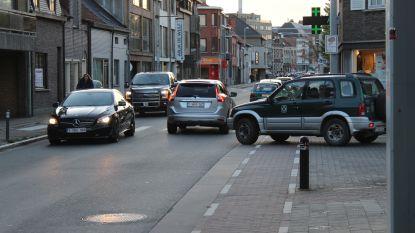 """Al jaren vraag naar maatregelen in Oostveldstraat, maar die komen maar niet: """"Het verkeer is daar een tikkende tijdbom"""""""