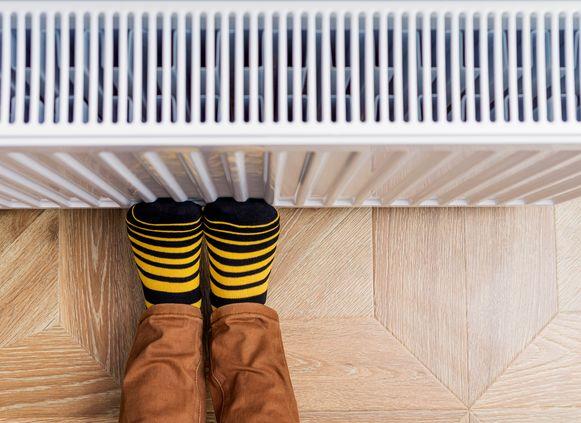 Tijdens de koude wintermaanden draait je verwarmingsinstallatie overuren. Gelukkig kan je je stookkosten binnen de perken houden met enkele klusjes.