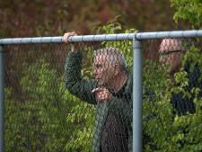 Controle bij sportparken in de Liemers: 'Ouders houd afstand'