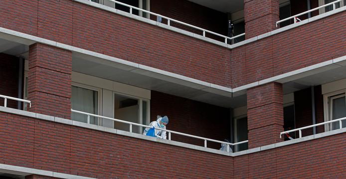 Een foto gemaakt toen de zwaargewonde vrouw net gevonden was in Zevenbergen.