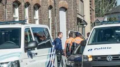 Politie zet helikopter in om man te arresteren die enkelband had verwijderd en op stap ging in Zingem
