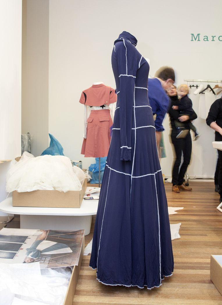 Een jurk van Gletcher. Beeld Stefanie Gratz