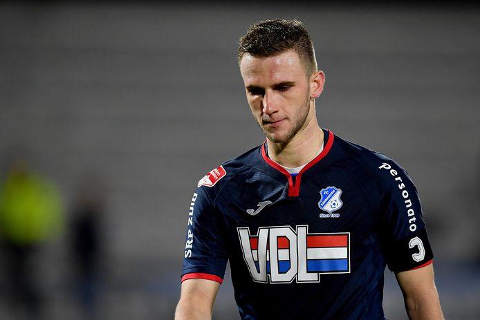 FC Eindhoven-speler Branco van den Boomen druipt af na de nederlaag tegen RKC.