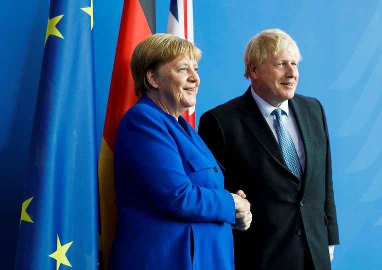 Angela Merkel en Boris Johnson woensdag in Berlijn. Beeld REUTERS