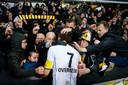 """Een emotioneel moment afgelopen vrijdag tussen clubmonument Killian Overmeire en de supporters. """"Die match was misschien de laatste ooit op Daknam."""""""