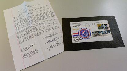 Brief die door Apollo 15 naar de maan werd gesmokkeld voor 11.000 euro geveild