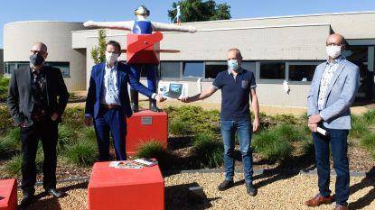 Hogeschool UCLL en minister Beke helpen mensen met een beperking digitaal op weg