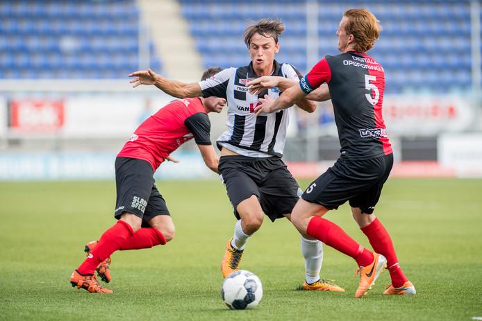 Stefano Beltrame in het seizoen 2016-2017 in actie voor FC Den Bosch, hier in een oefenwedstrijd tegen De Treffers.